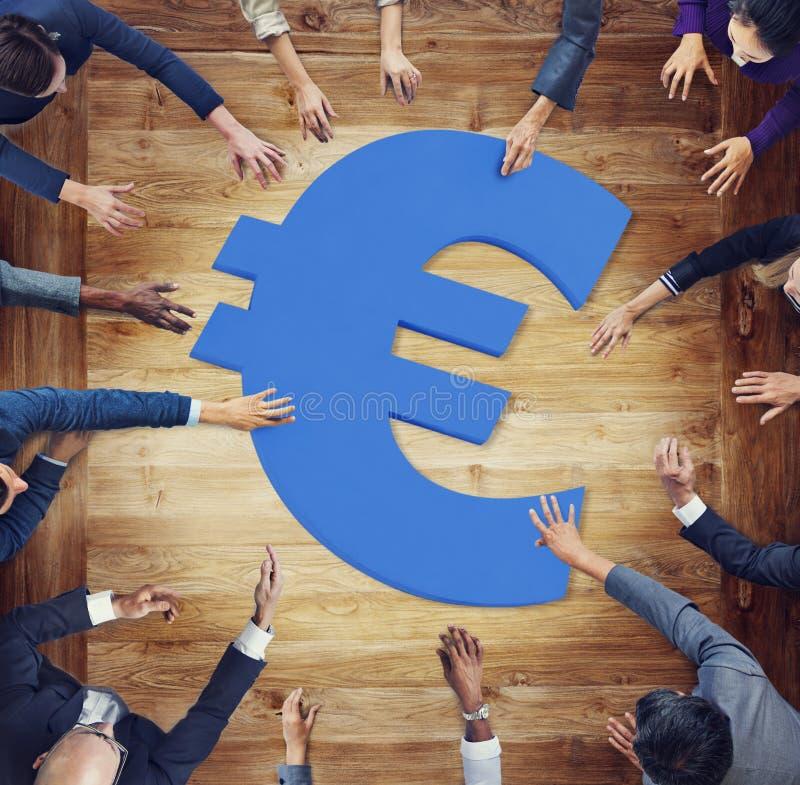 Download Gens D'affaires Divers Autour De Symbole Monétaire Image stock - Image du banking, ethnicity: 45369575