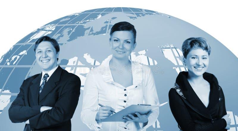Gens d'affaires et globe sur un dos photo stock