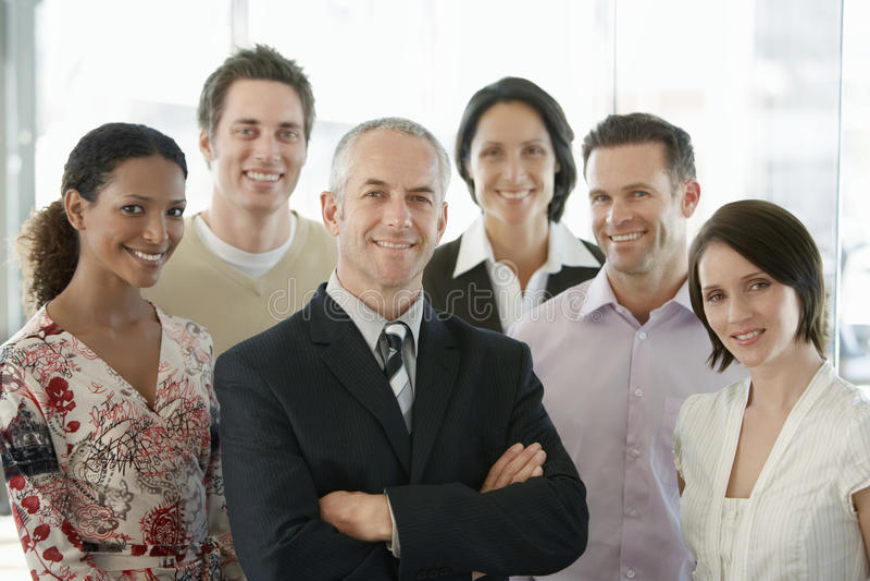 Gens d'affaires multi-ethniques de sourire photographie stock libre de droits