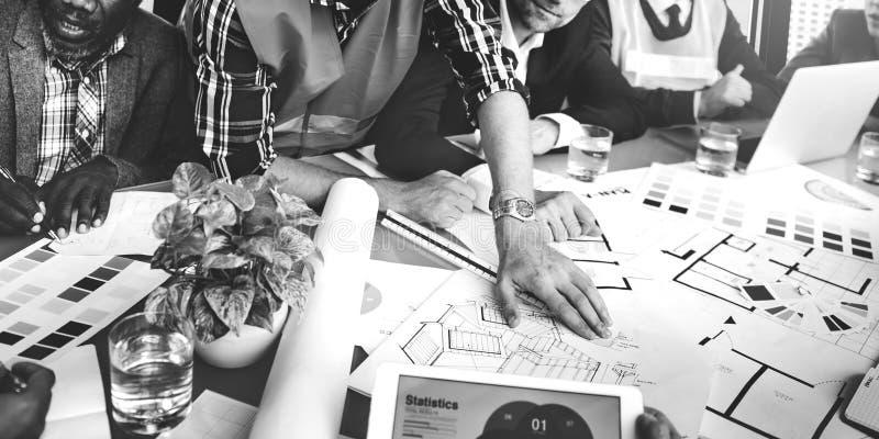 Gens d'affaires rencontrant l'ingénieur Construction Concept d'architecte photo libre de droits