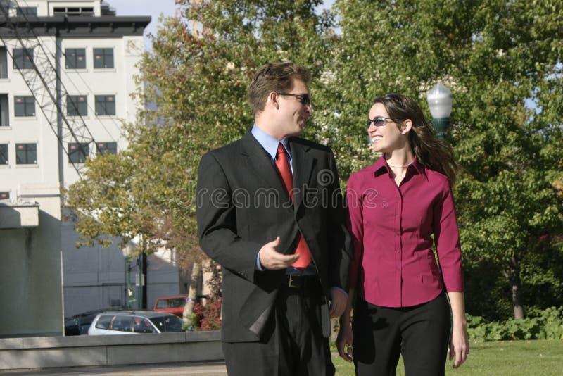 Gens d'affaires, souriant photographie stock libre de droits