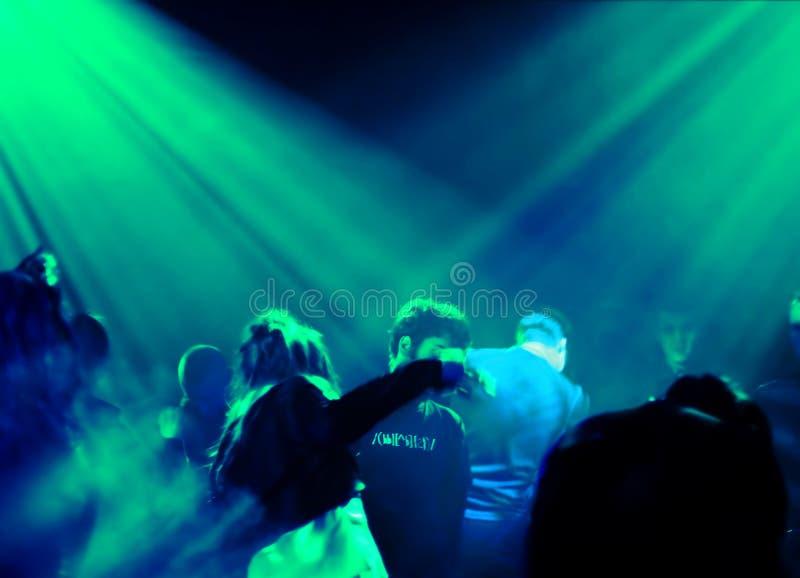 Gens de danse image stock