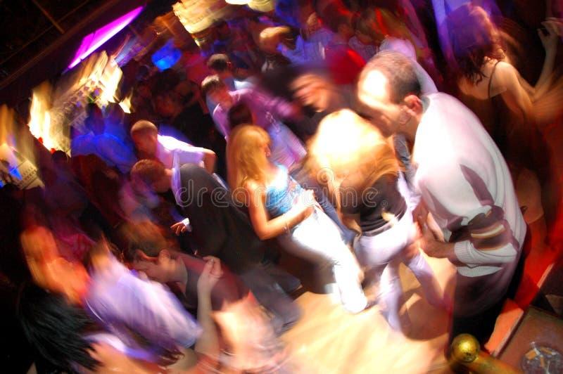 Gens de danse de boîte de nuit de disco image libre de droits