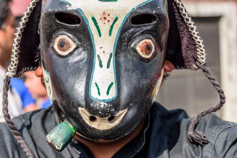 Gens du pays dans le masque traditionnel de danse folklorique de la souris dans le défilé, Guatema photos libres de droits