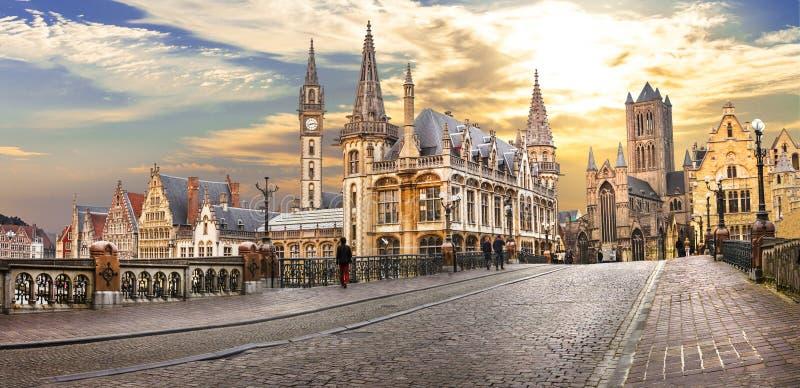 Gent πέρα από το ηλιοβασίλεμα Βέλγων στοκ εικόνα με δικαίωμα ελεύθερης χρήσης