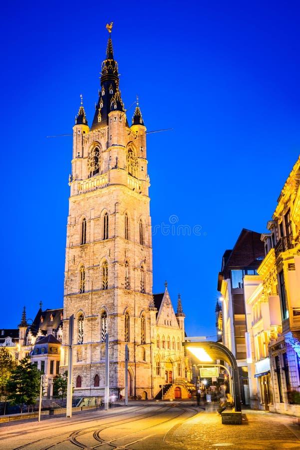 Gent, башня Фландрии, Бельгии - Бельфора на ноче стоковая фотография