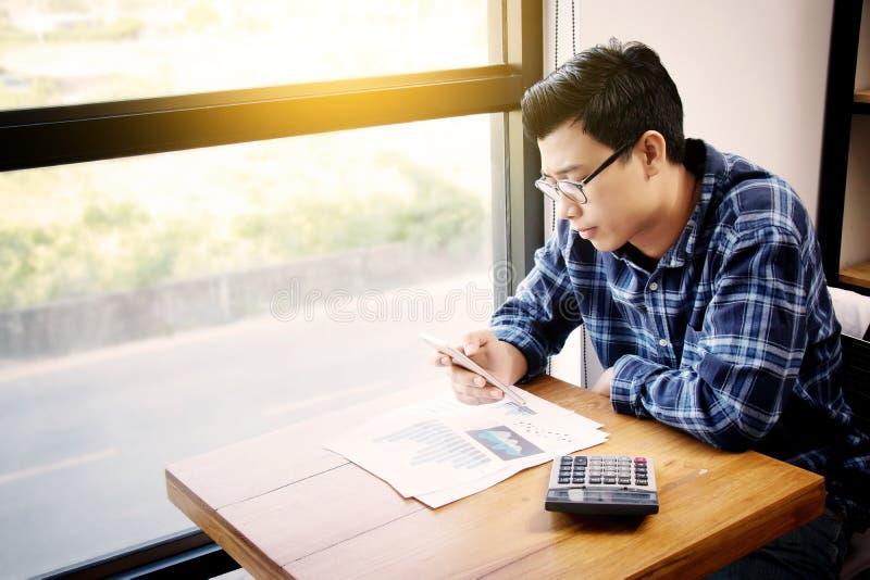 Gente de la contabilidad empresarial, ahorro, finanzas, concepto de la economía fotos de archivo libres de regalías