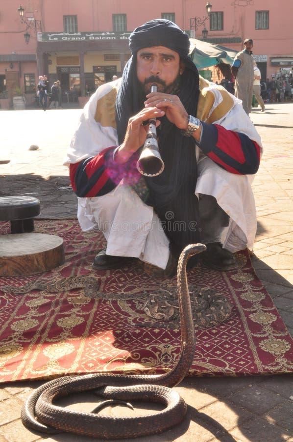 Gente de Marruecos y de serpientes foto de archivo libre de regalías