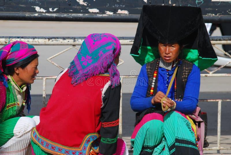 Gente de Yi en el sudoeste China fotos de archivo