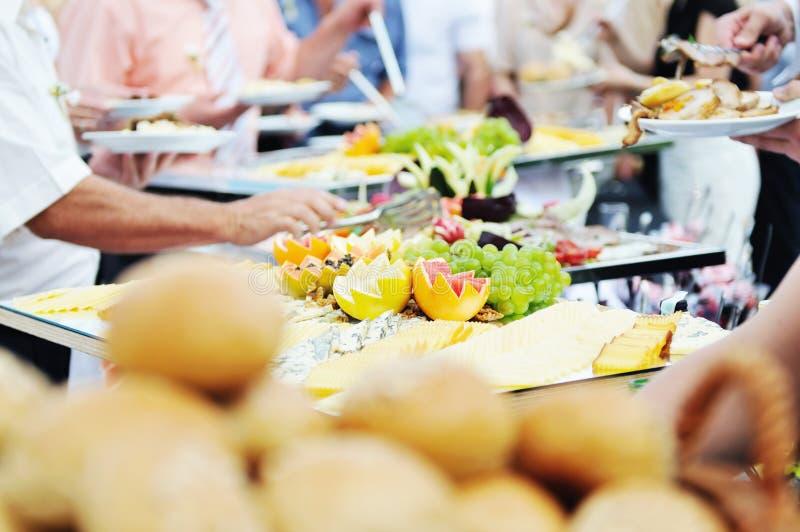 Gente del alimento de la comida fría imágenes de archivo libres de regalías