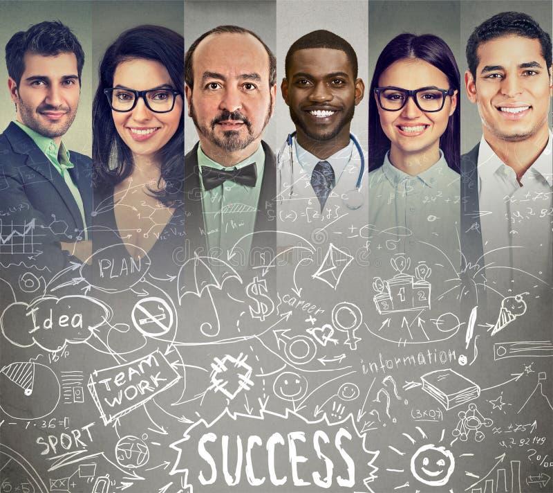 Gente di affari che confronta le idee scambiando le idee fotografie stock