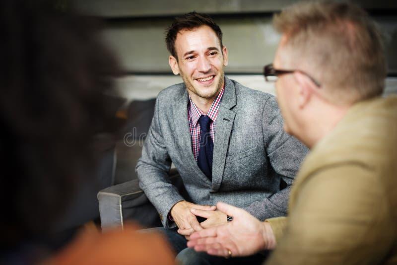 Gente di affari che incontra concetto corporativo di discussione fotografie stock libere da diritti