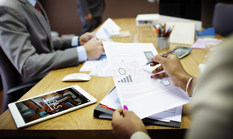 Gente di affari che incontra concetto corporativo di lavoro di squadra del collegamento fotografia stock libera da diritti