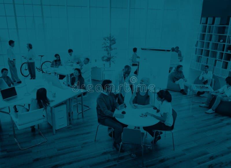 Gente di affari che incontra concetto di pianificazione aziendale di discussione fotografia stock libera da diritti