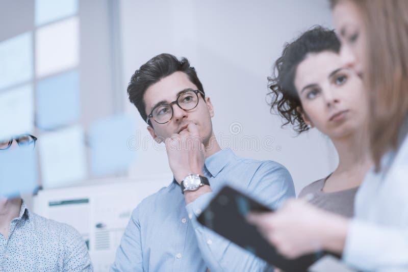 Gente di affari che lavora insieme fotografia stock
