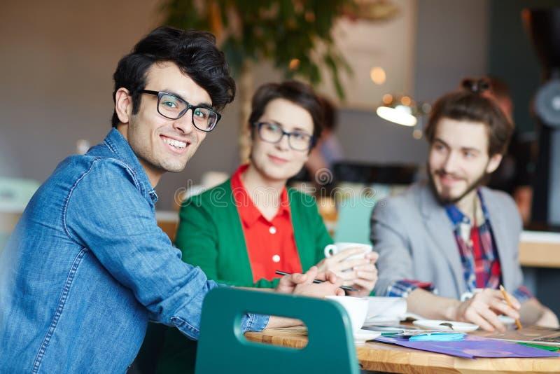 Gente di affari creativa alla riunione del lavoro fotografie stock