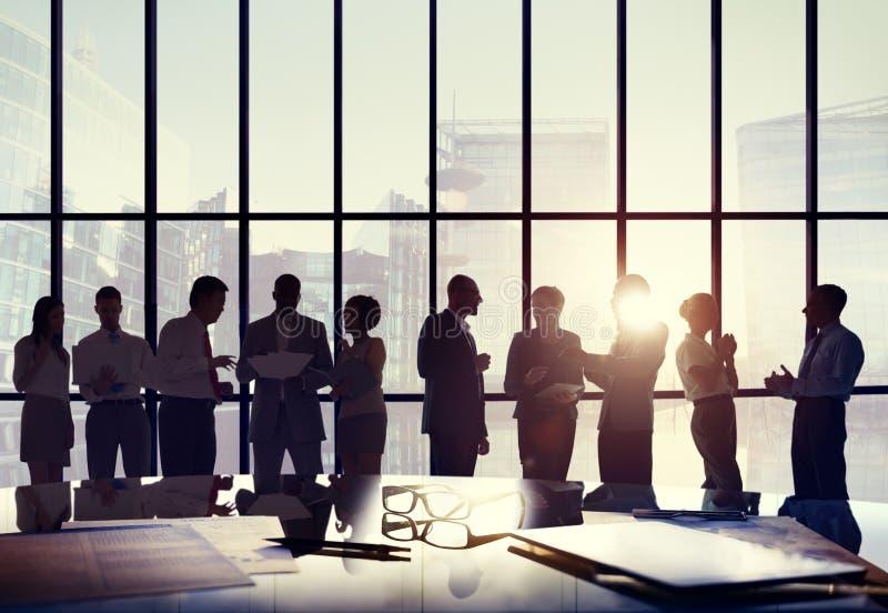 Gente di affari di conferenza di riunione di concetto di lavoro della sala del consiglio immagini stock libere da diritti