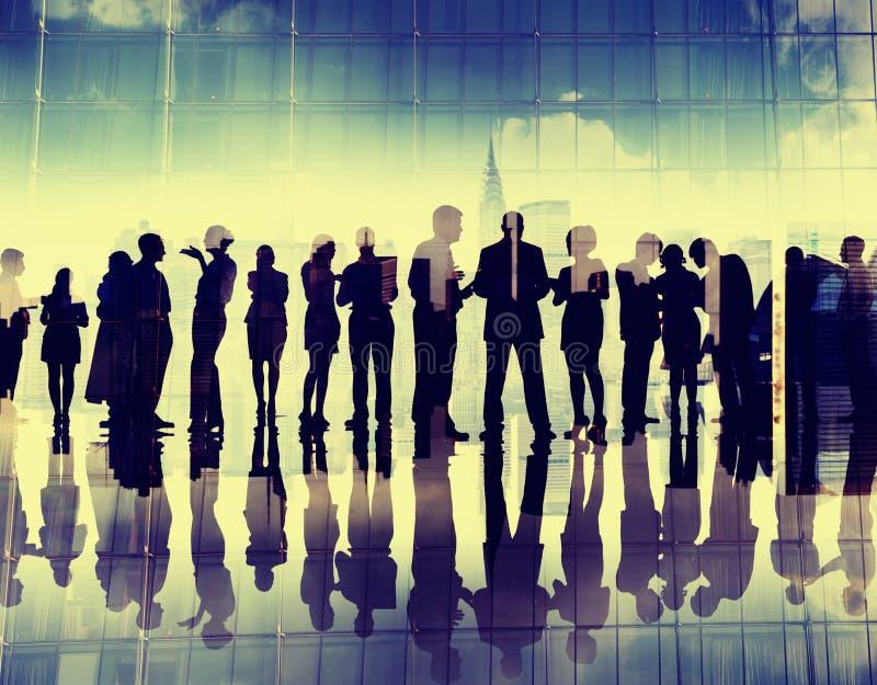 Gente di affari di discussione corporativa Meeti del collegamento della siluetta fotografia stock libera da diritti