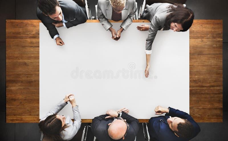 Gente di affari di diverso di lampo di genio concetto di riunione fotografia stock libera da diritti