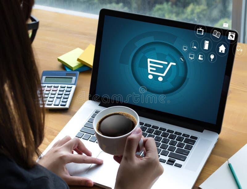 Gente di affari di uso di tecnologia di Internet Marketi globale di commercio elettronico fotografia stock
