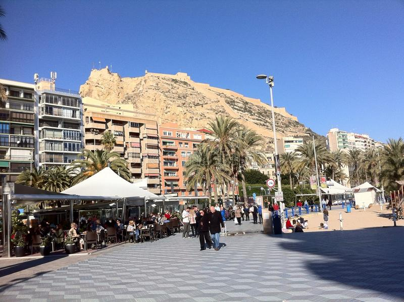 Gente el día de fiesta en Alicante España fotografía de archivo libre de regalías