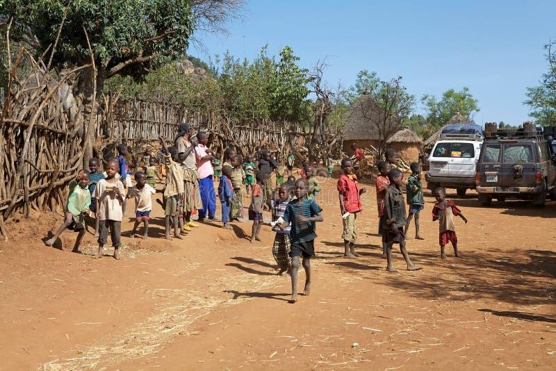 Pueblo africano imagen de archivo