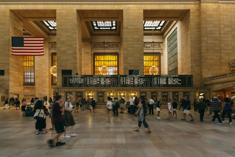 Gente en el terminal de Grand Central, Nueva York imagenes de archivo