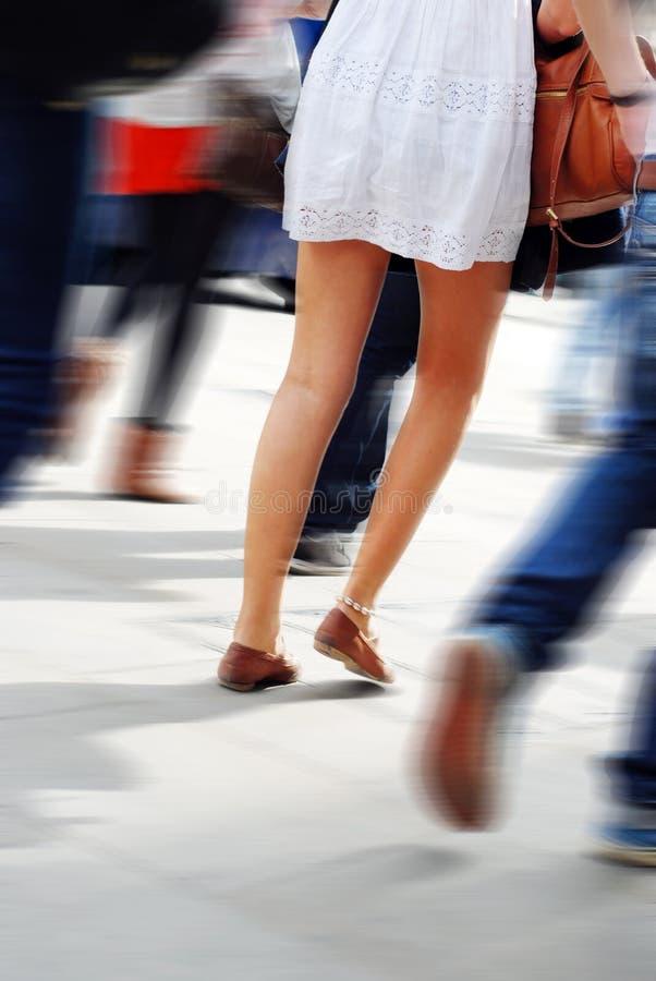 Gente en la calle foto de archivo libre de regalías