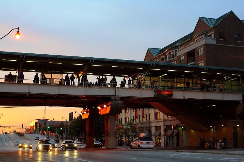 gente en la estación de tren de Roosevelt Chicago imagenes de archivo