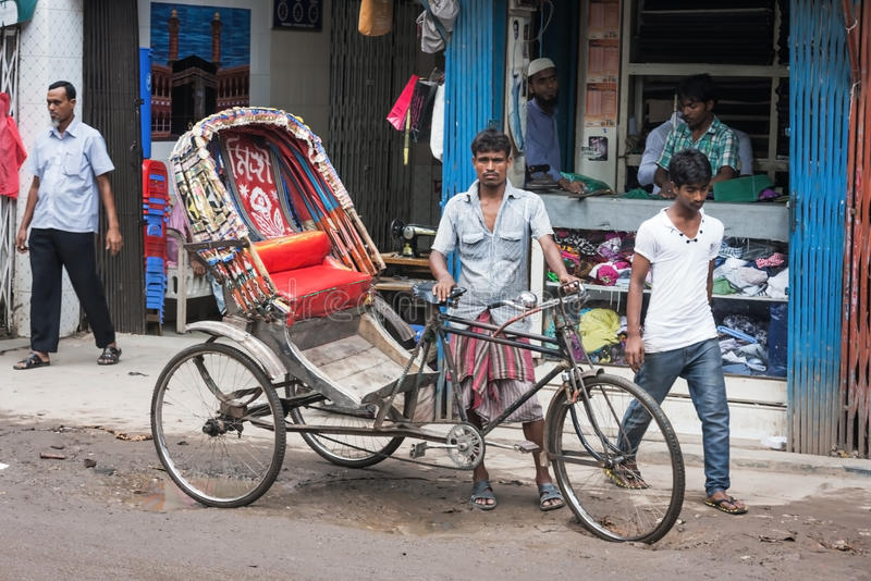Gente en las calles de Bangladesh imágenes de archivo libres de regalías