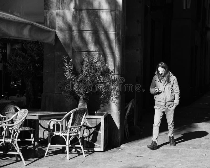 Gente en las calles de Barcelona, Espa?a imágenes de archivo libres de regalías