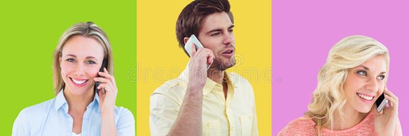 Gente en los teléfonos en secciones cuadradas coloridas imagenes de archivo