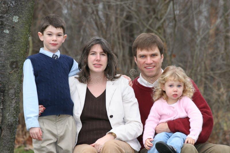 Gente feliz de la familia de cuatro miembros (2) imagen de archivo libre de regalías