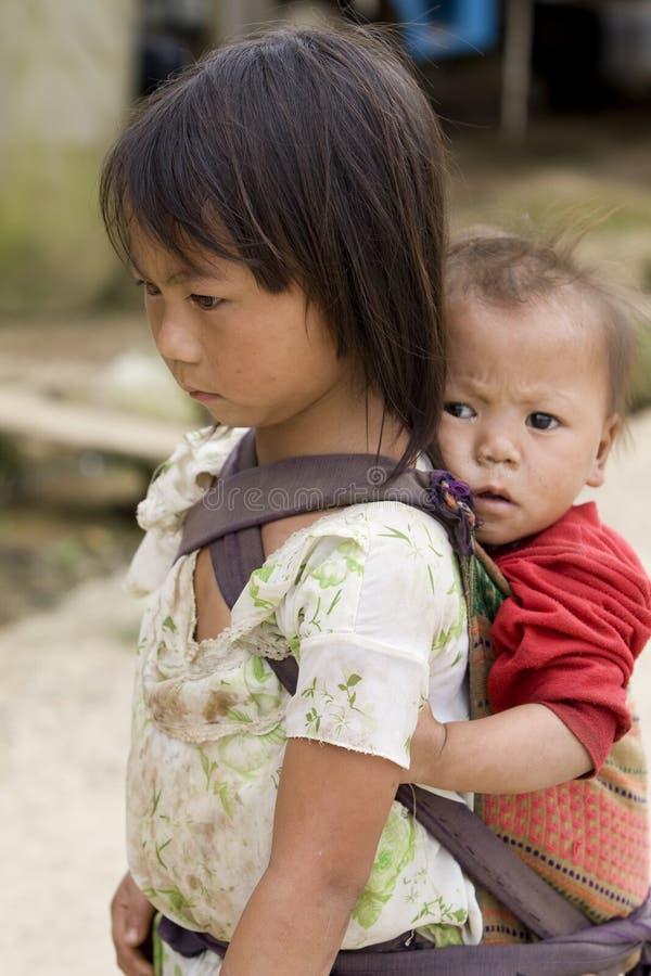 Gente, hermanos y hermanas de Hmong en Laos fotografía de archivo