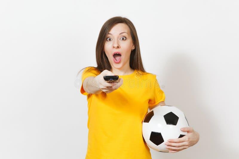Gente joven, fanático del fútbol o jugador europeo hermoso en el fondo blanco Deporte, juego, salud, concepto sano de la forma de foto de archivo