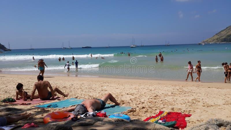 Gente la playa foto de archivo