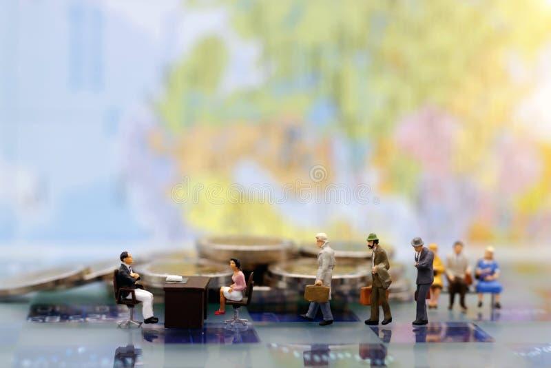 Gente miniatura: Entrevista que espera de la persona del negocio para imagen de archivo libre de regalías