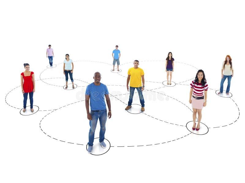 Gente Multi-etnica con collegamento e rete sociale Concep fotografia stock