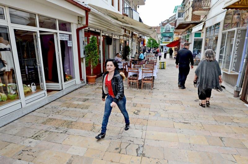Download Gente Que Da Une Vuelta En Bitola Foto editorial - Imagen de macedonia, pueda: 41903556