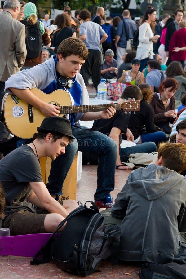 Gente que protesta en Barcelona imágenes de archivo libres de regalías