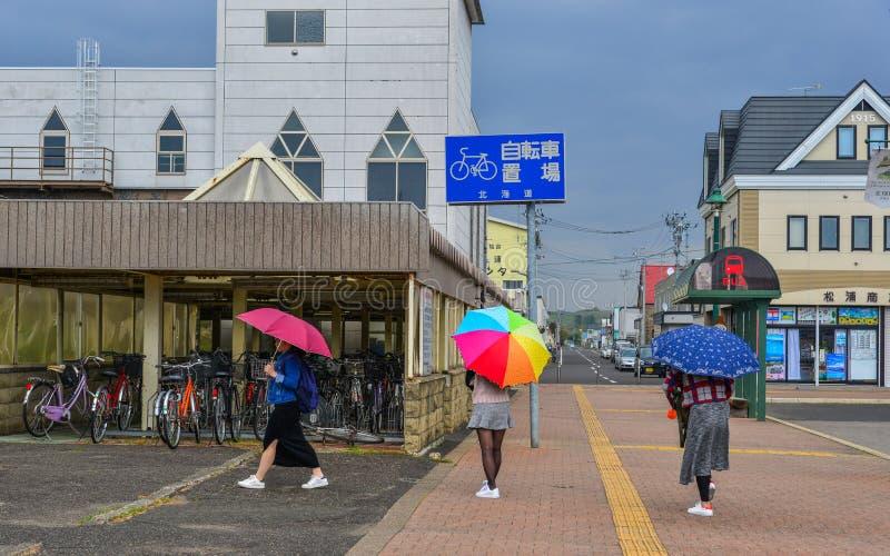 Gente que recorre en la calle fotografía de archivo