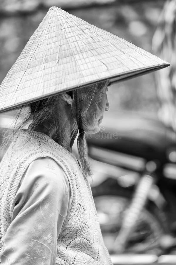 Gente reale nel Vietnam (in bianco e nero) fotografia stock libera da diritti