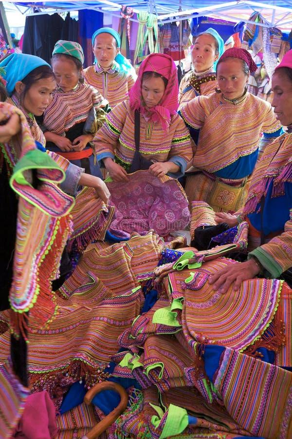 Gente Vietnam de la minoría de Hmong de la flor foto de archivo libre de regalías