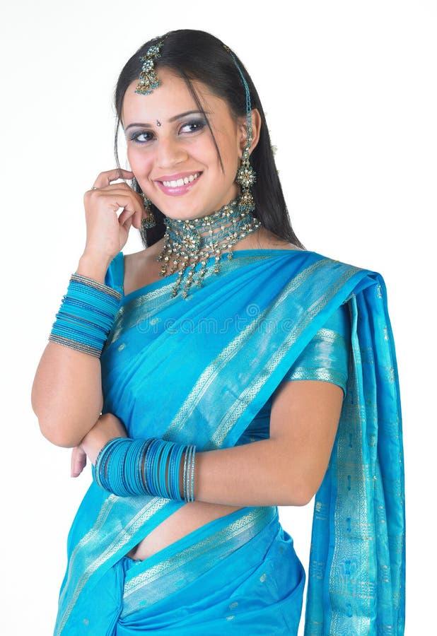 gentil indien de belle fille bleue de bracelets image stock