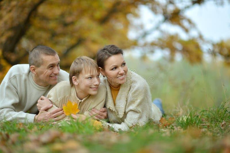 Gentille famille heureuse photos libres de droits