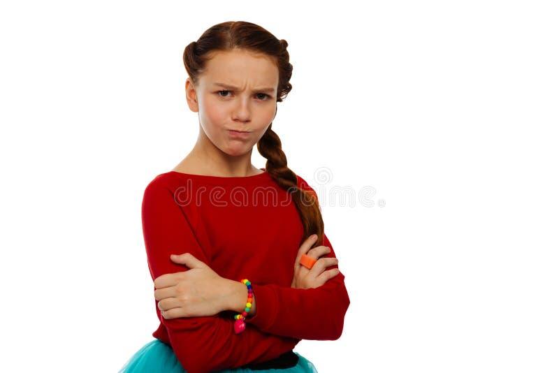 Gentille fille bouleversée exprimant ses émotions avec des imitateurs photos libres de droits