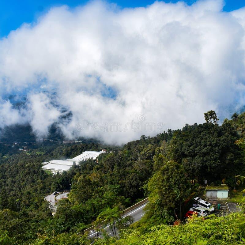 Genting Highlands - популярная туристическая достопримечательность в Куала-Лумпуре, Малайзия Вид на Гентинг-Хайлендс из кабельног стоковое фото