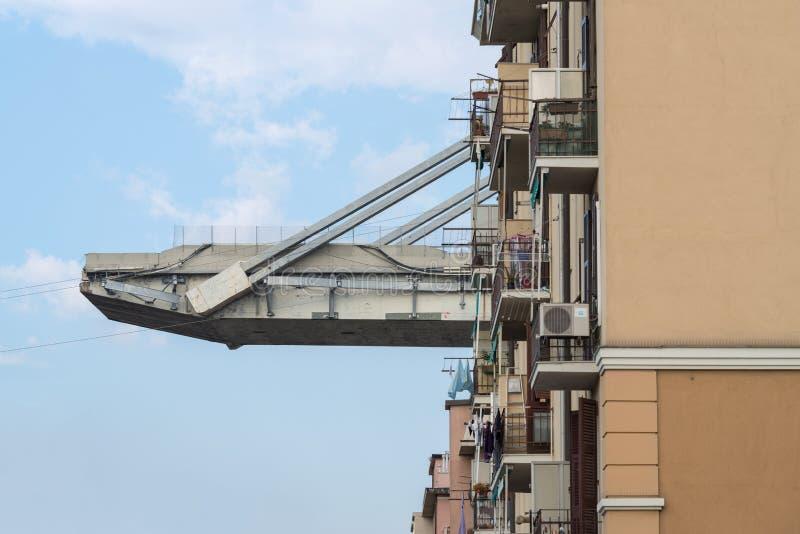 Genua, Italien Brücke und Ebenen Morandi unten stockfotografie