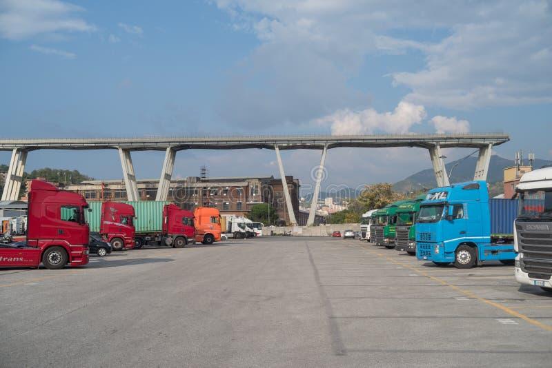 Genua, Italien Ein Abschnitt des teilweise eingestürzten Morandi Bridg stockbild