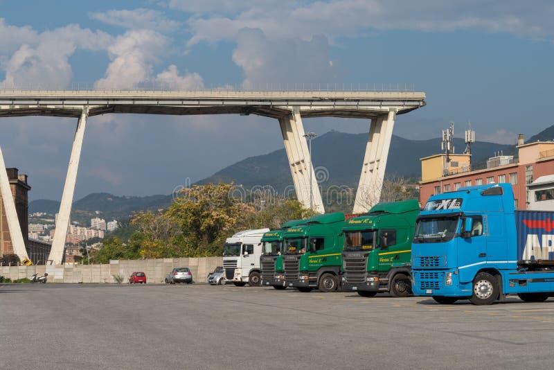Genua, Italien Ein Abschnitt des teilweise eingestürzten Morandi Bridg lizenzfreies stockfoto